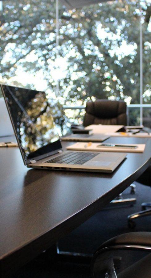 office-boardroom-meeting-1516329